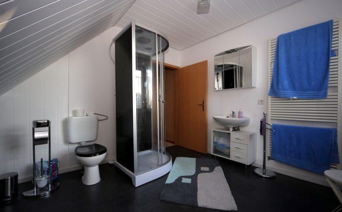 Bad mit Dusche im OG - Haus kaufen Brieselang