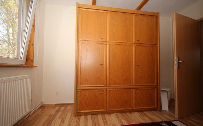 Zimmer 3 OG Schrankbett